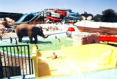 aquapark_regi_csuszdak_500_911_20080702155707_892.JPG