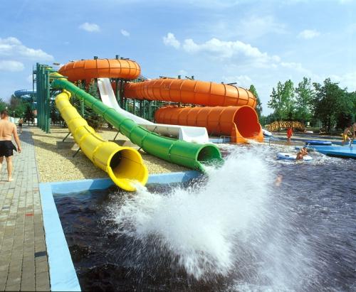 aquapark_csobbanas_500_148_20110509150016_765.JPG