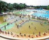 Újra megnyitja kapuit a Hungarospa Strandfürdője!