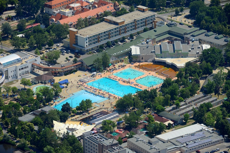 Két új attrakciófejlesztéssel bővülhet a Hungarospa fürdőkomplexuma a következő években