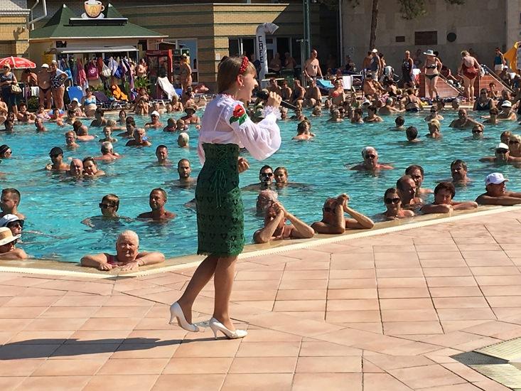 Ukrán tehetségek léptek fel a Hungarospa Strandfürdőjében